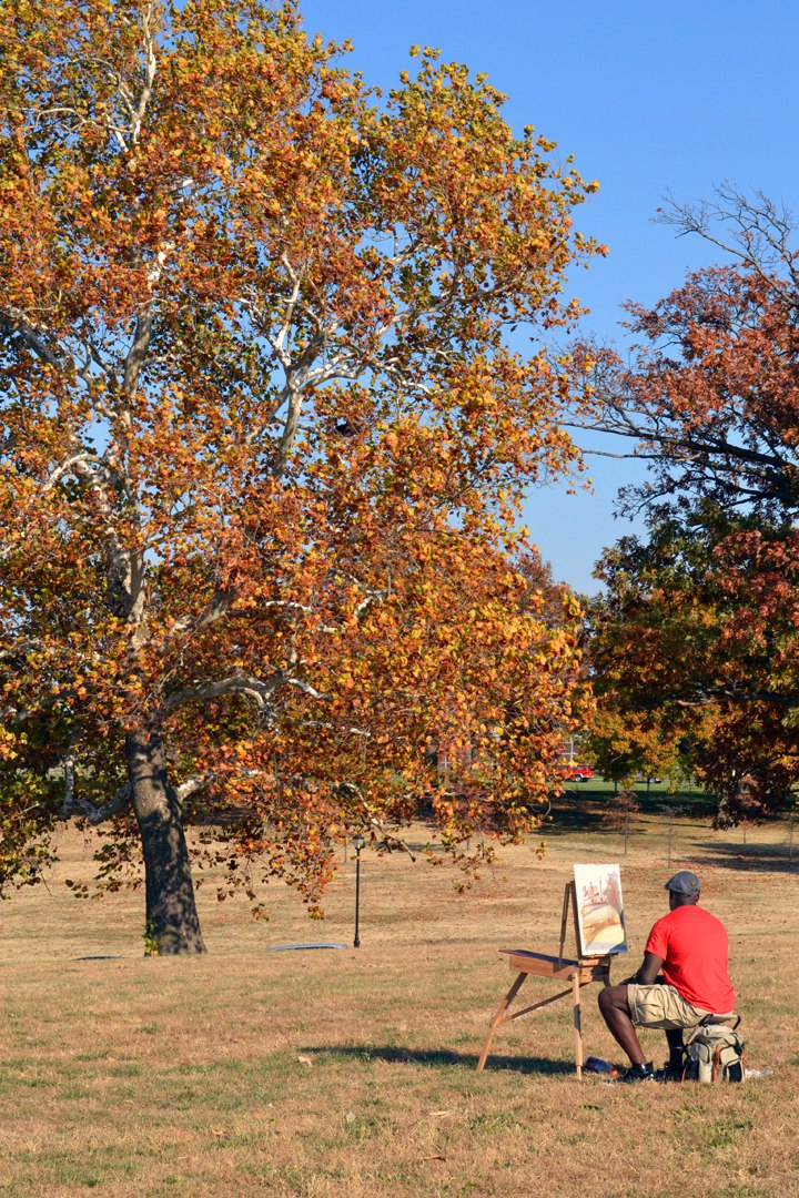 Hallmark artist Frank Norfleet at work on the grounds of Liberty Memorial during a plein air painting session led by visiting artist Daniel Dove, 2011.